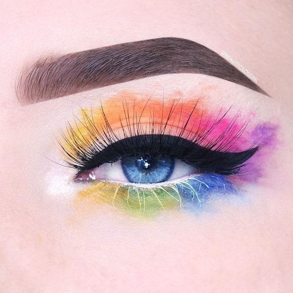 Come mettere l'eyeliner: 3 trucchi che devi sapere